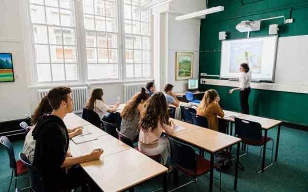 lợi ích khi sử dụng máy chiếu trong dạy học 1