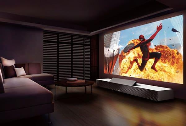 máy chiếu lên tường