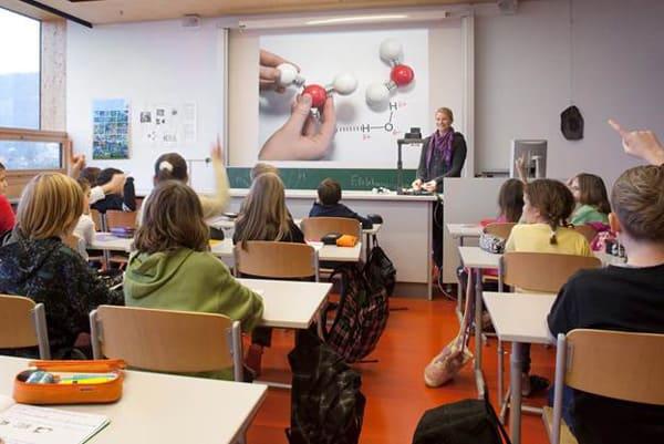 máy chiếu giảng dạy