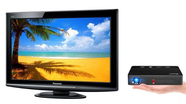 so sánh máy chiếu và tivi