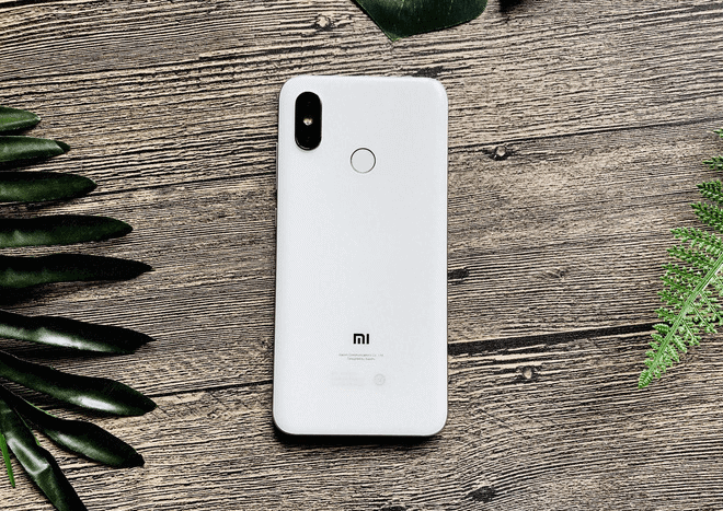 máy chiếu Xiaomi Mi 8