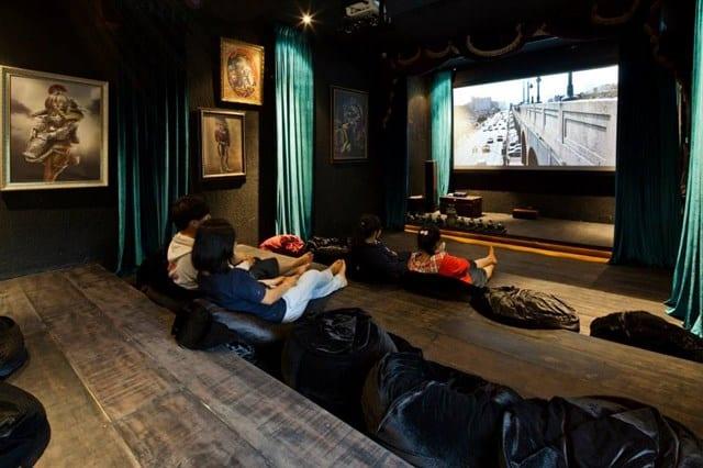 máy chiếu cafe phim