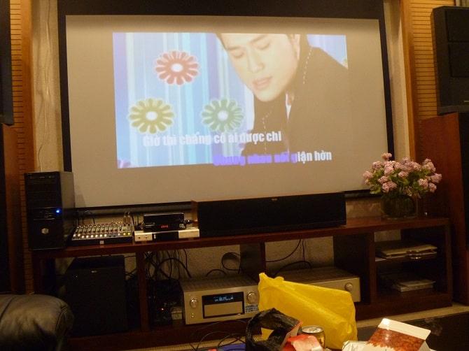 máy chiếu phòng phim, karaoke